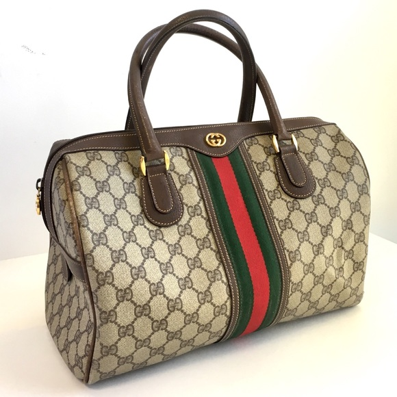 eaafa682da2 Gucci Handbags - Vintage Gucci Purse Ophidia GG Top Handle Bag
